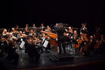 Federico-Maria-Sardelli-e-lOrchestra-del-Maggio-Musicale-Fiorentino-©-Pietro-Paolini-TerraProject-contrasto-pic