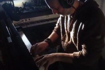 Fabrizio-Paterlini-at-recording-studio-2