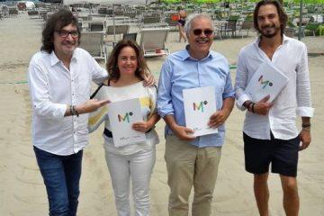 Claudio Cecchetto con l'assessore Tonini, il sindaco Giannini e l'imprenditore Dellarosa