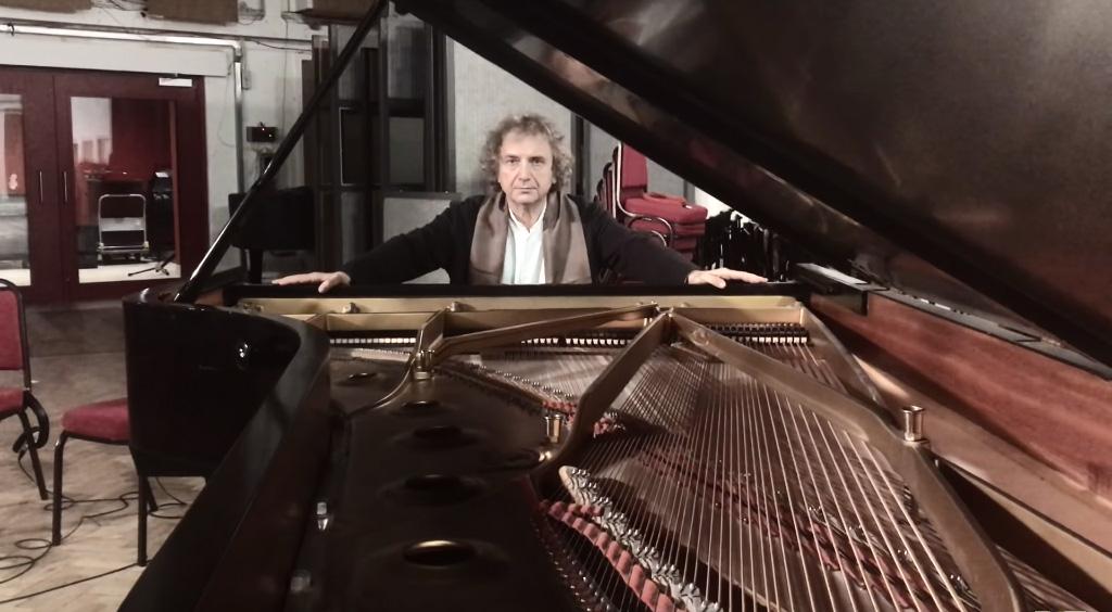 Roberto Cacciapaglia - Frequency of Love