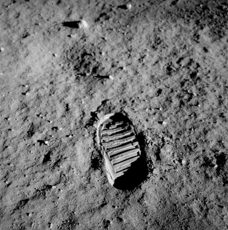 MAXXI_LunarCity_Apollo11_EdwinAldrin_NASA_light