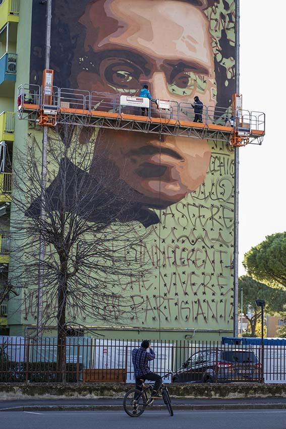 Jorit Gramsci Firenze allestimento ©MarcoBorrelli_211120_06870