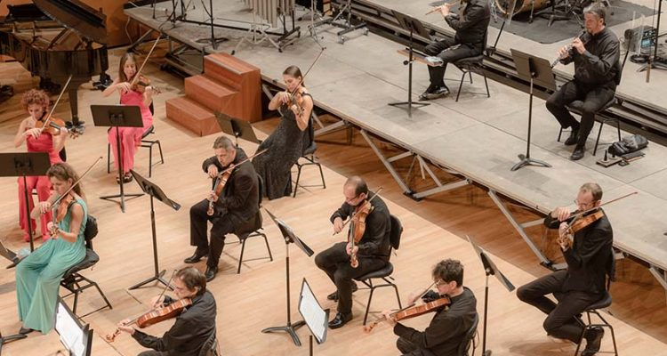 """ENNIO MORRICONE NIGHT Auditorium di Milano LAVERDI POPS 2020 03 Ott Ore 21:30 A partire da 15,00 2020 04 Ott Ore 20:00 A partire da 15,00 ABBONAMENTI PROGRAMMADurata: 60' ca. La leggenda del Pianista sull'oceano (""""Playing love"""") C'era una volta in America Suite C'era una volta il west Il Buono, il Brutto e il Cattivo (Tema principale) Il Buono, il Brutto e il Cattivo (""""L'estasi dell'oro"""") Giù la testa Indagine su un cittadino sopra di ogni sospetto La Sconosciuta Metti una sera a cena Mission (""""Gabriel's Oboe"""") Baaria Malena Nuovo Cinema Paradiso Suite     Una serata dedicata al decano della musica da film, il premio Oscar che meglio di chiunque altro ha colto lo spirito di pellicole indimenticabili e lo ha trasposto in musica.  INTERPRETI Orchestra Sinfonica di Milano Giuseppe Verdi DirettoreAlberto Maniaci"""