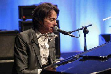 È-Alberto-Fortis-l-ospite-questo-venerdì-di-Alberto-Salerno-in-STORIE-DI-MUSICA-il-format-che-racconta-la-storia-intorno-a-dischi