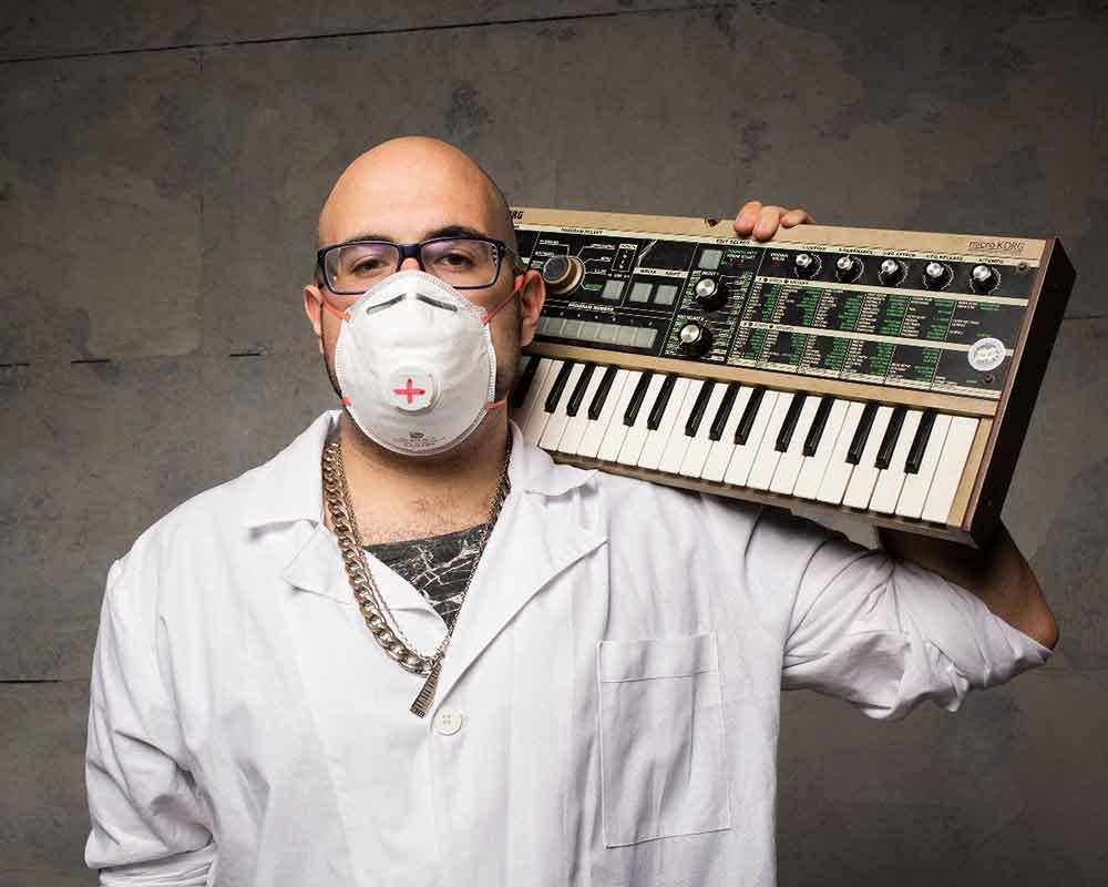 Ozymandias-è-il-nuovo-paziente-di-Dr-Wesh-nel-videoclip-Manie