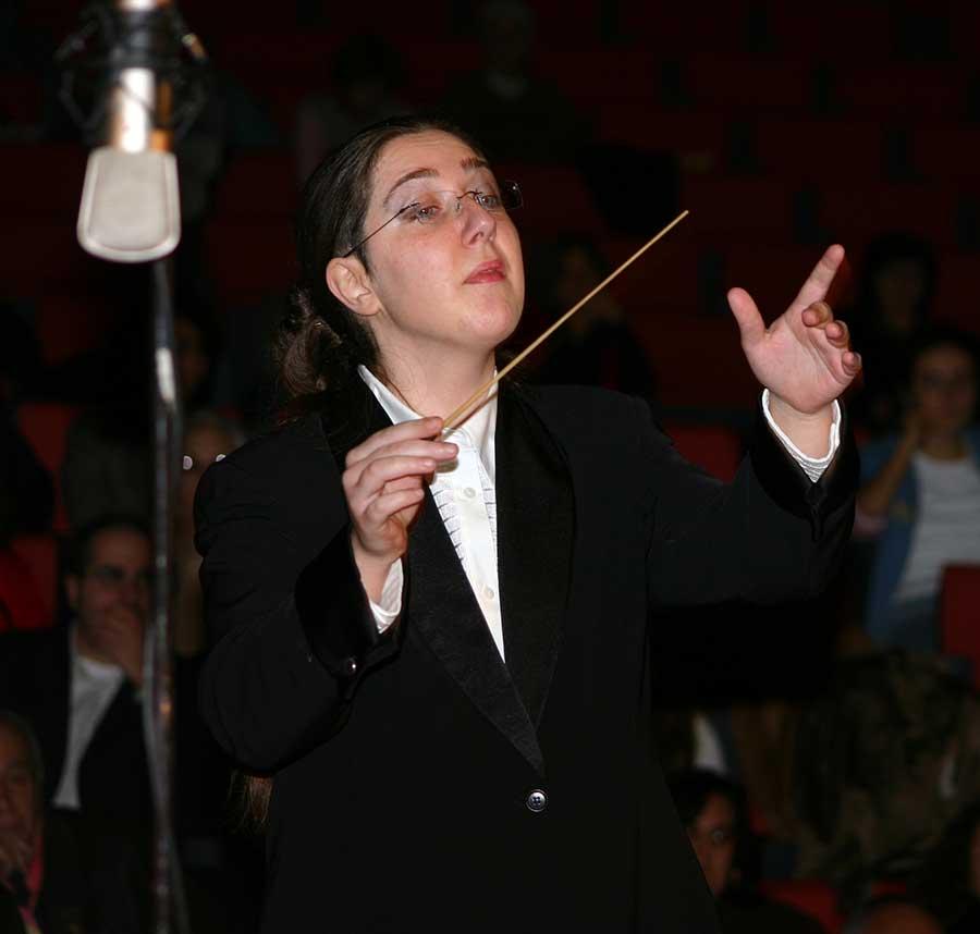 Erika-Zoi-Conductor